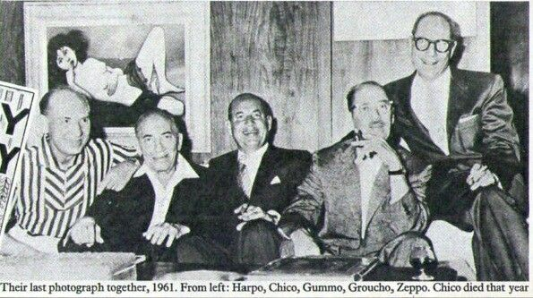 The last photograph of all five #MarxBros together 1961. #Chico died later that year. (Sunday Times Magazine) https://t.co/4sP3ZwZuWn