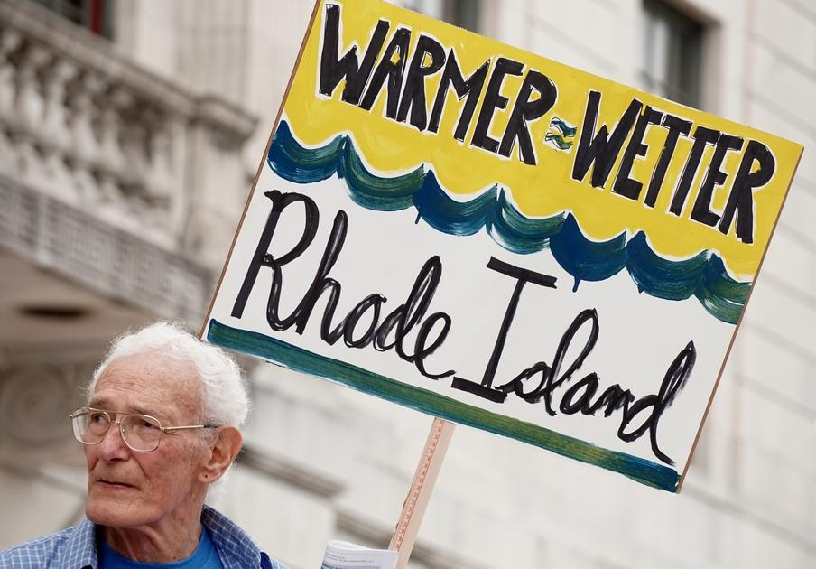 People's Climate March draws hundreds to the R.I. State House