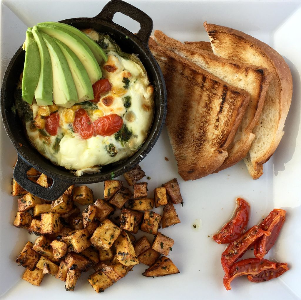 Egg White Frittata anyone?Available Mother's Day Brunch at The Top Of Binion's Steskhouse @BinionsLV #steakhouse #MothersDay https://t.co/OSbLn3fg5Y