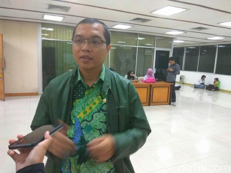 Tepis Dukung Hak Angket, PPP: Itu Tanda Tangan saat Rapat DPR-KPK https://t.co/k6OHQzsuub https://t.co/PsdOGSv5EG