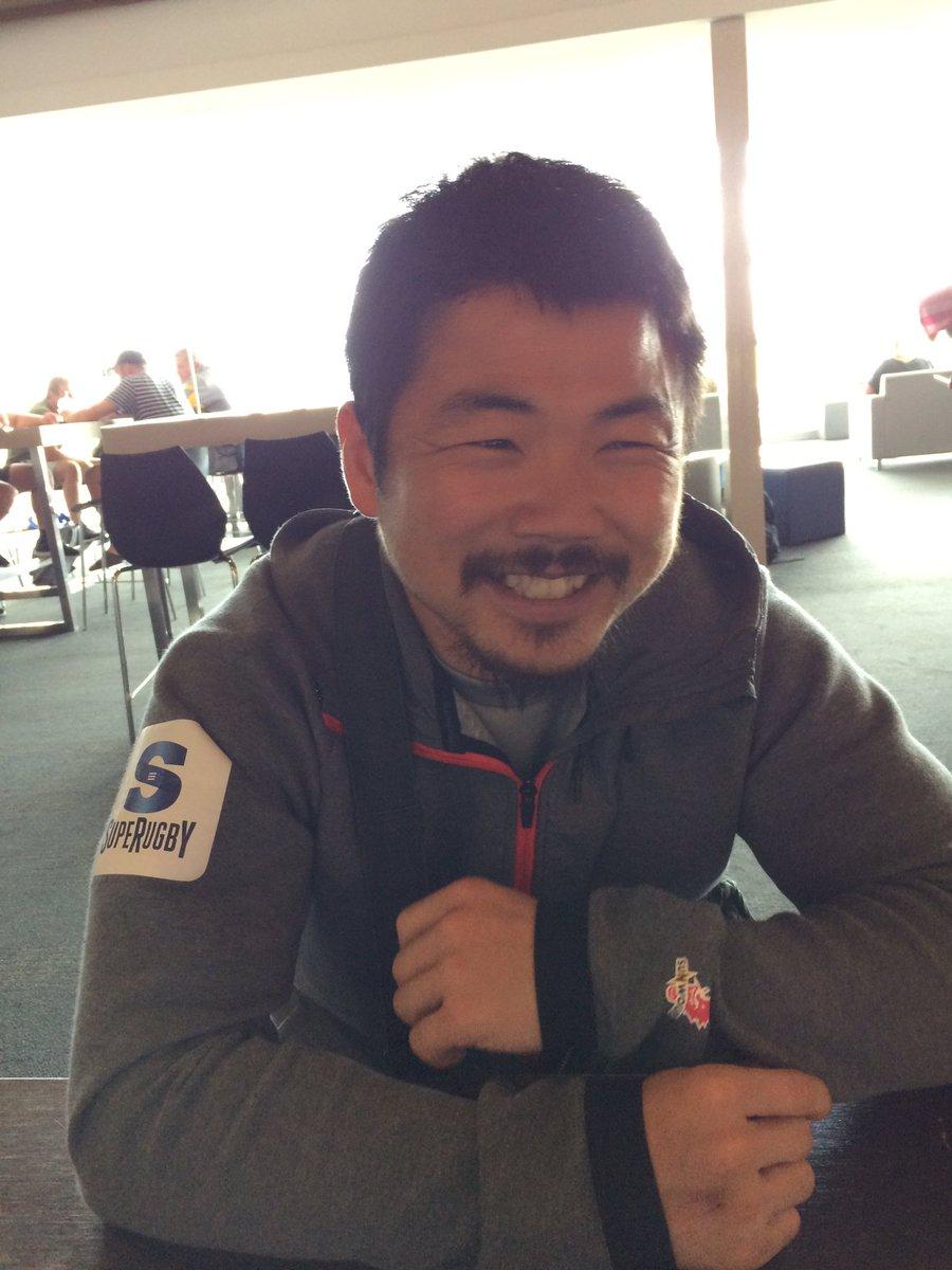 嬉しそうな顔。だけど、大分老けたな。昔こんな顔じゃなかった。シワが100倍。鼻毛マックス。#Tanaka Fumiaki