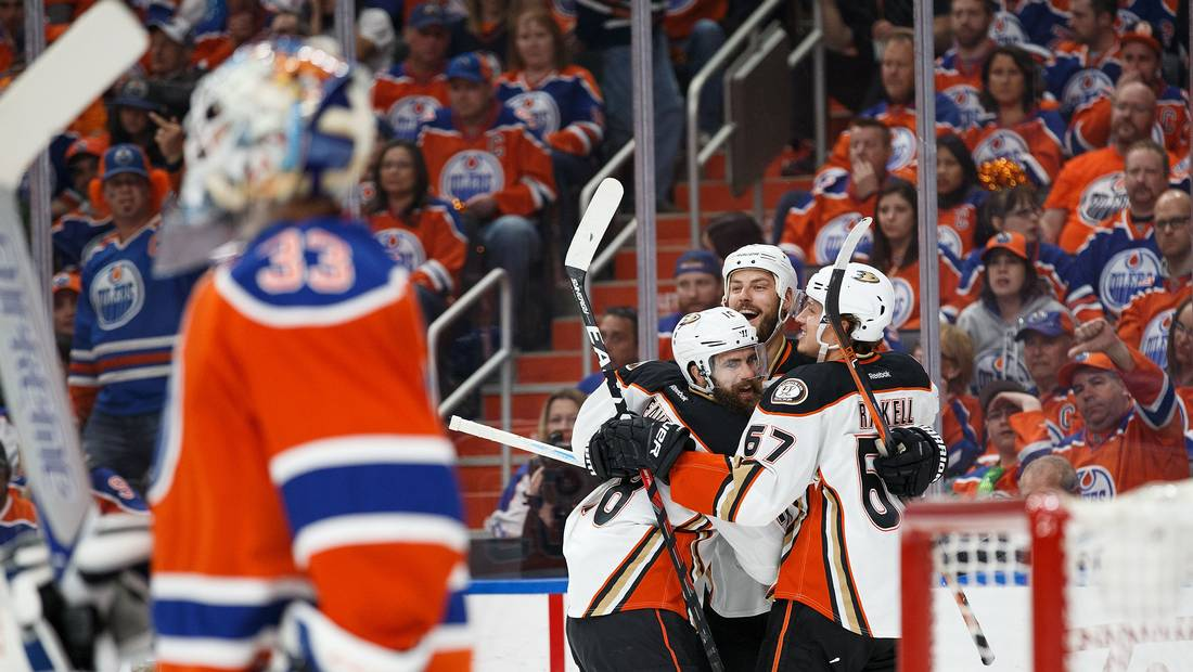 NHL playoff roundup: Oilers fall to Ducks, Predators prey on