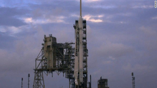 SpaceX launches spy satellite for US intelligence agency