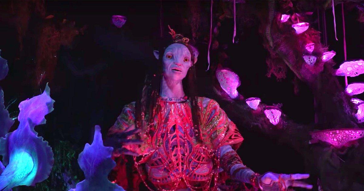 Watch Pandora's stunning Avatar animatronics come to life at Disney World: