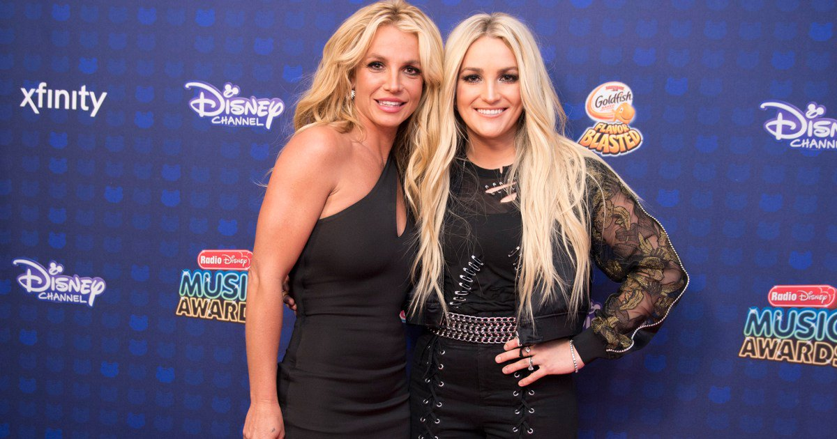 Jamie Lynn Spears surprises sister Britney at the @RadioDisney Music Awards: