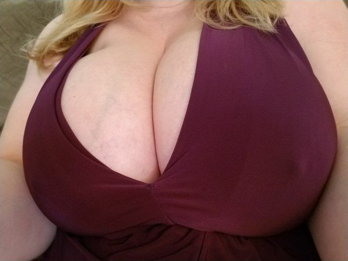 In case you forgot how awesome my tits are. Size 36K & all natural. https://t.co/fSMVbfRRLY #bigtits