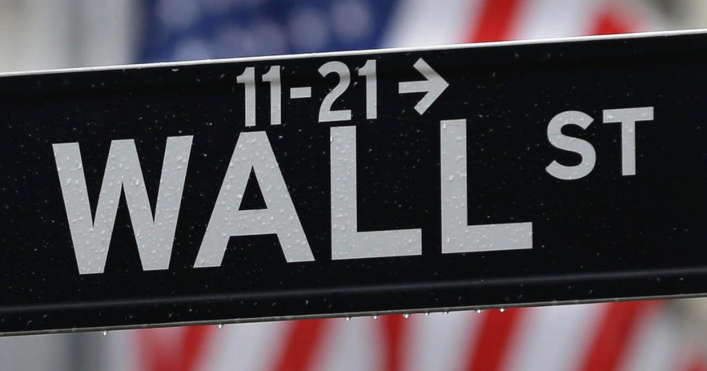 Despite hubbub over Dow nearing 20,000 level, the stock market looks overvalued