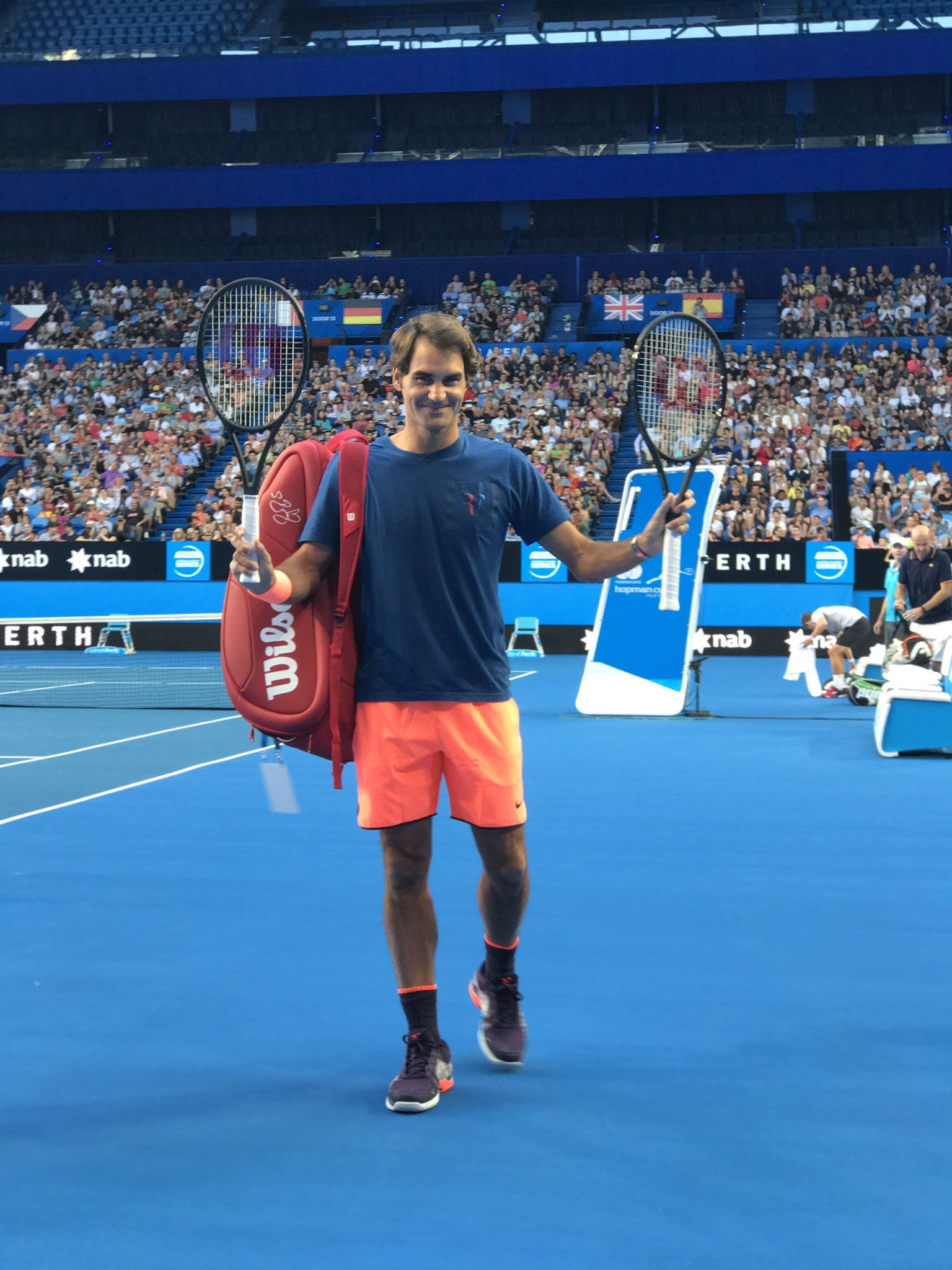 Thank you to the six thousand fans that showed up to watch my practice at @hopmancup ������ https://t.co/gzfNwGHcOp