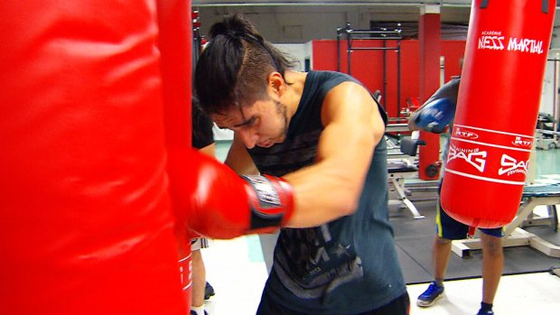 Montreal pro fighter helps troubled teens with boxing program