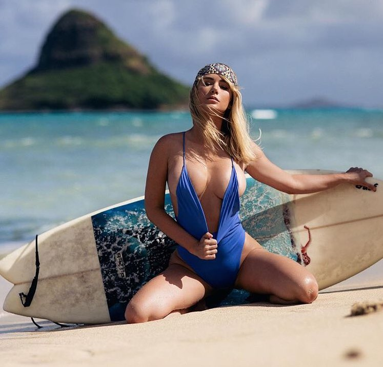 Surfs up, tits out! 🌊(That's a saying right?)🤔 VRqLuwcPvK