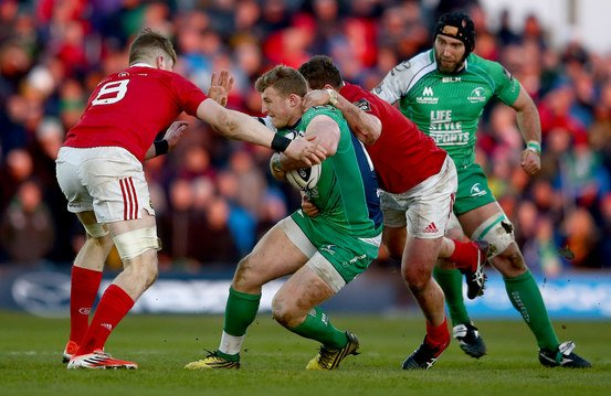 The final interpro battle of 2016.  Who are you supporting? RT for @MunsterRugby & FT for ConnachtRugby #CONvMUN https://t.co/vZi7TrJTSi