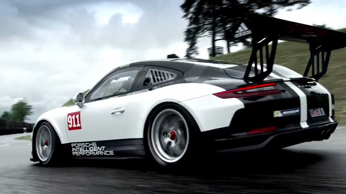 Porsche is coming to iRacing. Welcome to 2017. https://t.co/k2JKtzeTqO