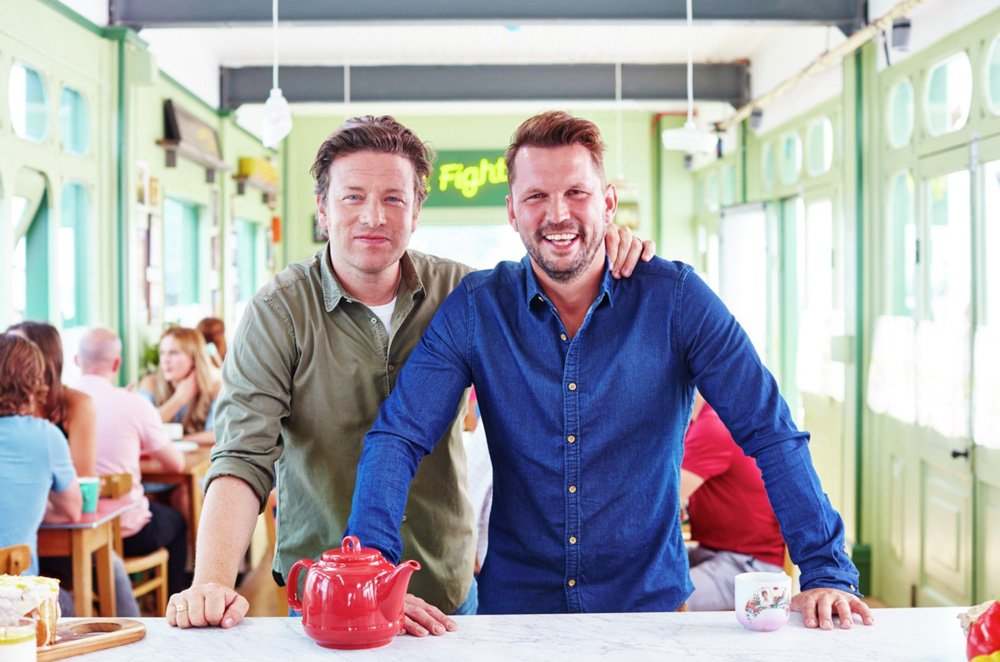 RT @JimmysFarmHQ: Catch @jimmysfarm & @jamieoliver on @Channel4 right now for #FridayNightFeast https://t.co/WPKMivQ7px