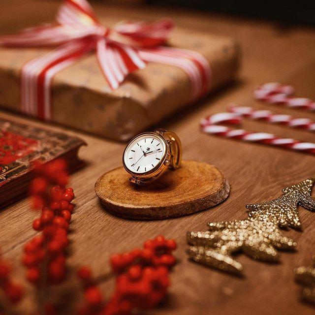 クリスマスまで、あと何日?お気に入りのアイテムで、冬を華やかに彩って。トミー ヒルフィガー≪HolidayCollection≫https://t.co/O4P9TbBKXb https://t.co/TRcOc73Crv