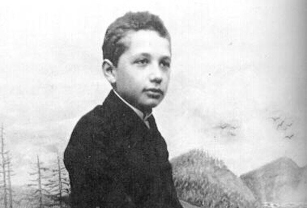 """It's not that I'm so smart, it's just that I stay with problems longer."" {Albert Einstein} #quotes https://t.co/Nl93uToeQH"