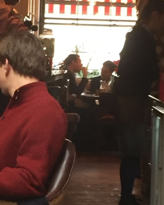 Sitting down for lunch together in Victoria: @George_Osborne and @nick_clegg #Coalicious https://t.co/JgousSe0ag