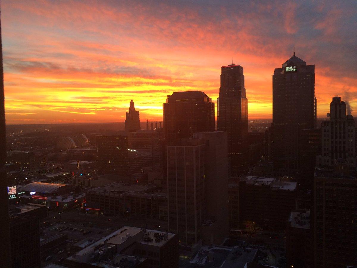 That sunset tonight in Kansas City!