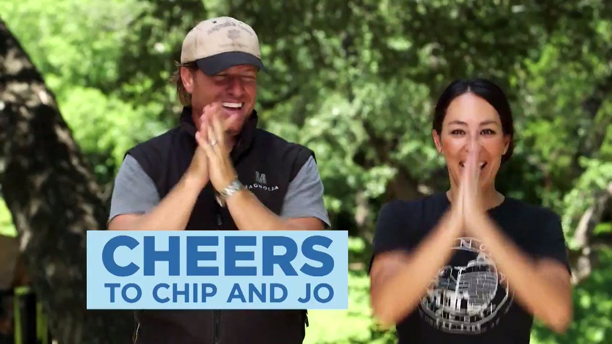 Cheers to a new year.  Cheers to a NEW #FixerUpper!  Tonight 9|8c. https://t.co/TvDQwDthQw