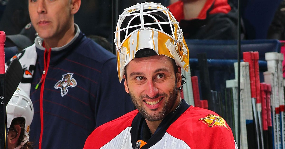 Roberto Luongo Roberto Luongo Ties Terry Sawchuk For 5th Most Wins