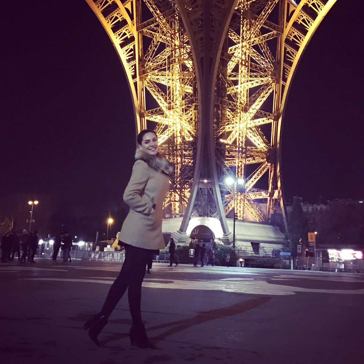 My Boyfriend Took me up the Eiffel Last Night ????????????????????????✨????????????⭐️ https://t.co/NBEhTcSP1c