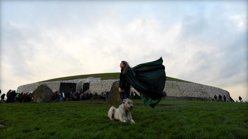 """Ancient winter solstice """"sun trap"""" may be a modern invention:"""