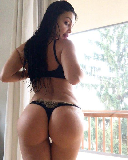 #curvygirl #curves #fitgirl #booty https://t.co/6TF1jZkwUq
