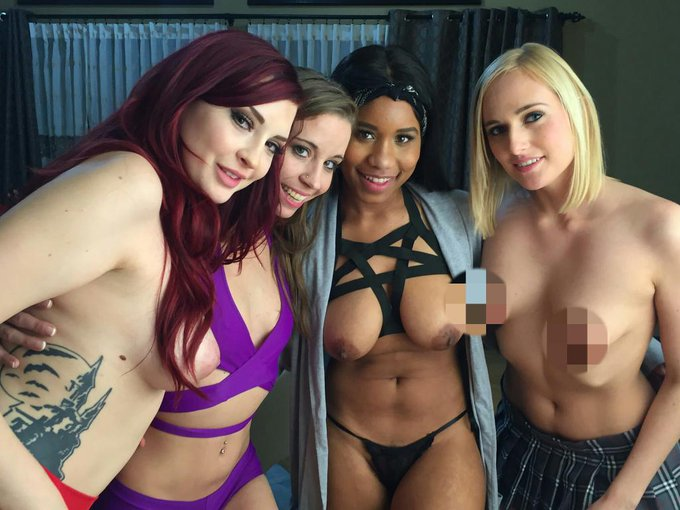 Had an amazing time on set today for @AVNMediaNetwork with @Norah_Nova @RealJennaFoxx @AmberIvyxo https://t