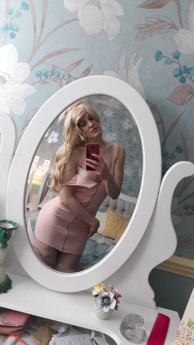 Mirror mirror ....... @camwhor @FitAsFuckGirls @PhotoSexGirl https://t.co/mxPhdO0NxN