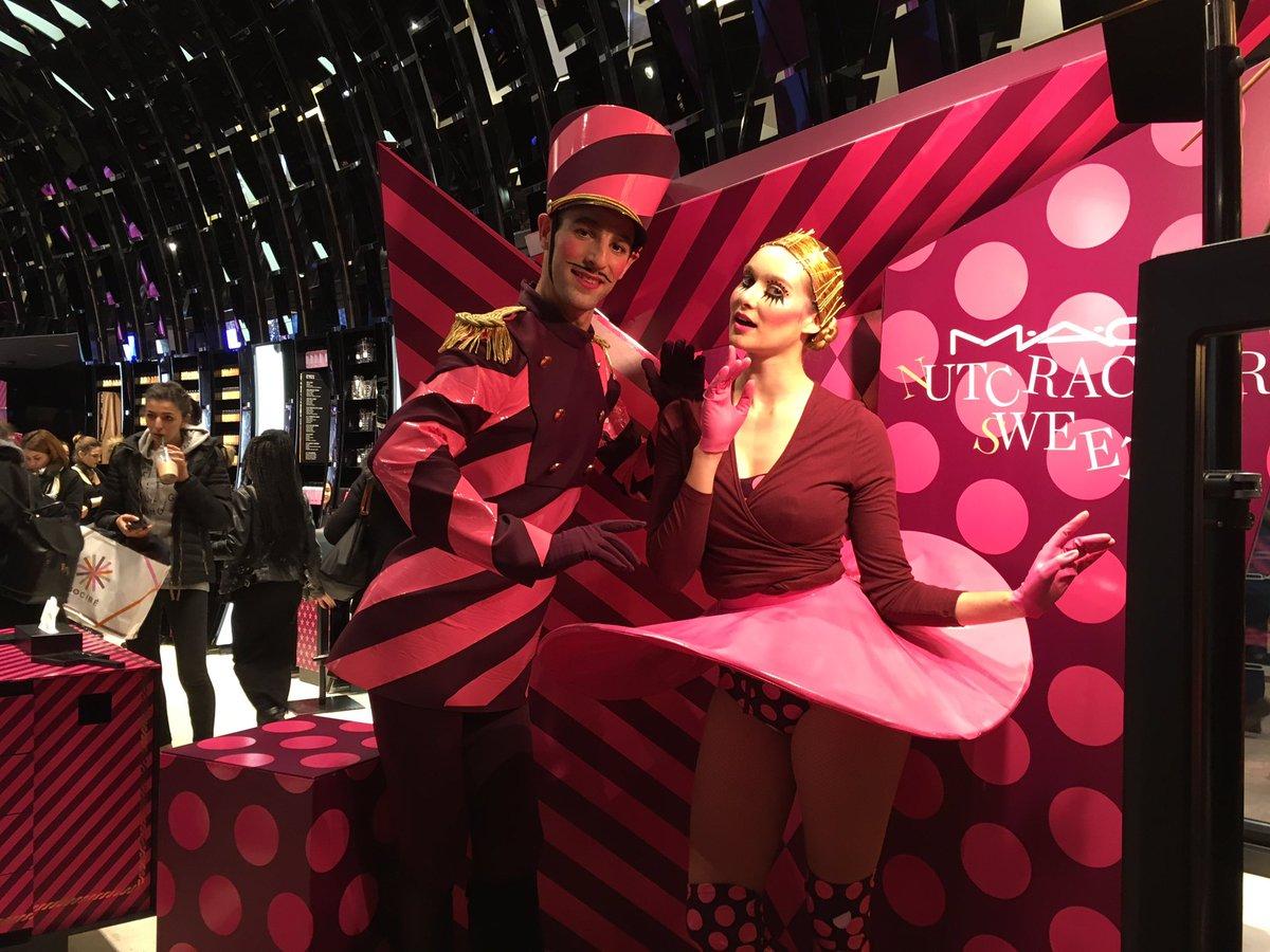 Great dance show on the Champs Elysées Paris