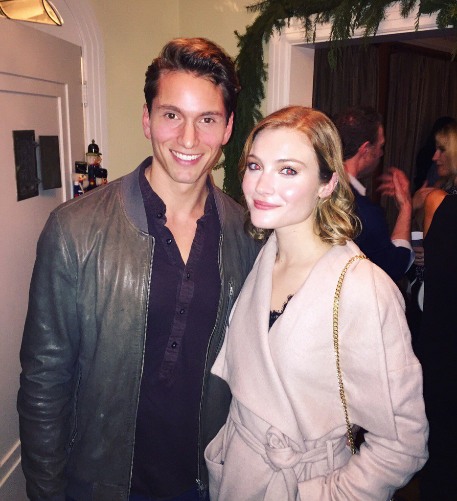 Bumped into this cool cat last week! Still as lovely as ever. Have missed this one @SkylerSamuels https://t.co/CC14Mij5hj