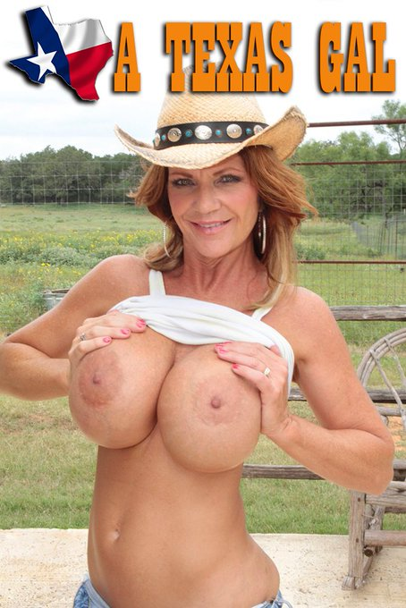 "New gallery has just been released by @Deauxma: ""A Texas Gal"" https://t.co/m5HVQtKkc2 https://t.co/U"