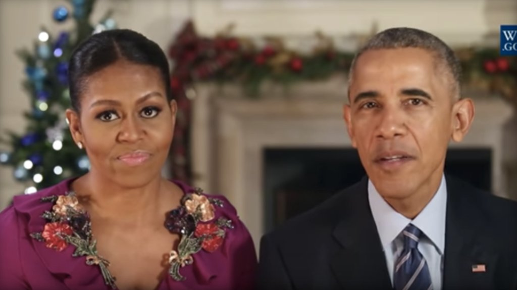 "Pres. Obama and Michelle Obama honor U.S. troops' ""courage and dedication"" during holidays:"