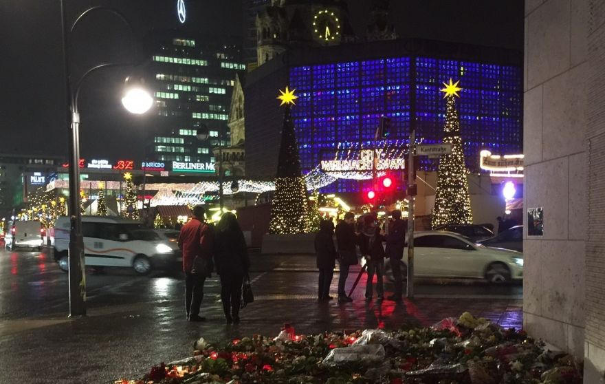 Reporter's Notebook: Christmas in a terror-stricken Berlin  (via @GregPalkot)