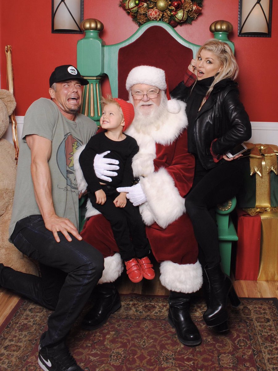 Santa baby ???????????????????????? https://t.co/7aqQLTOvin