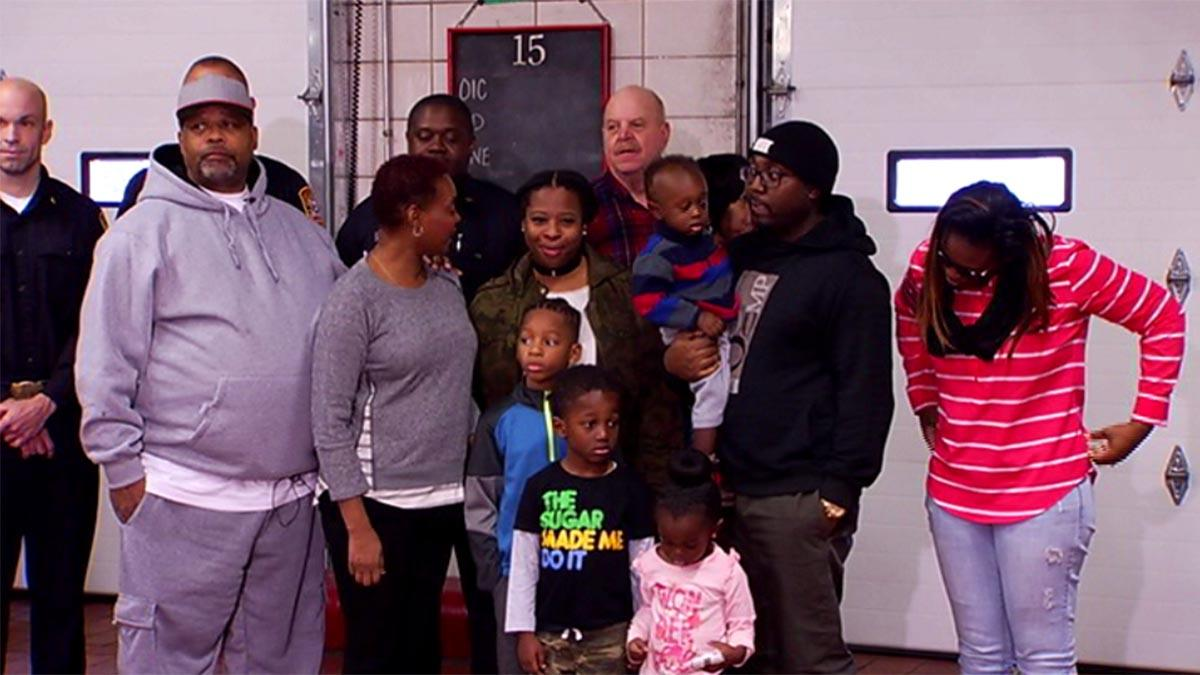 Firefighters save Christmas for DC family after fire guts apartment via @NBCWashington