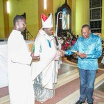 Uhuru calls for peace as he attends Christmas prayers in Mombasa