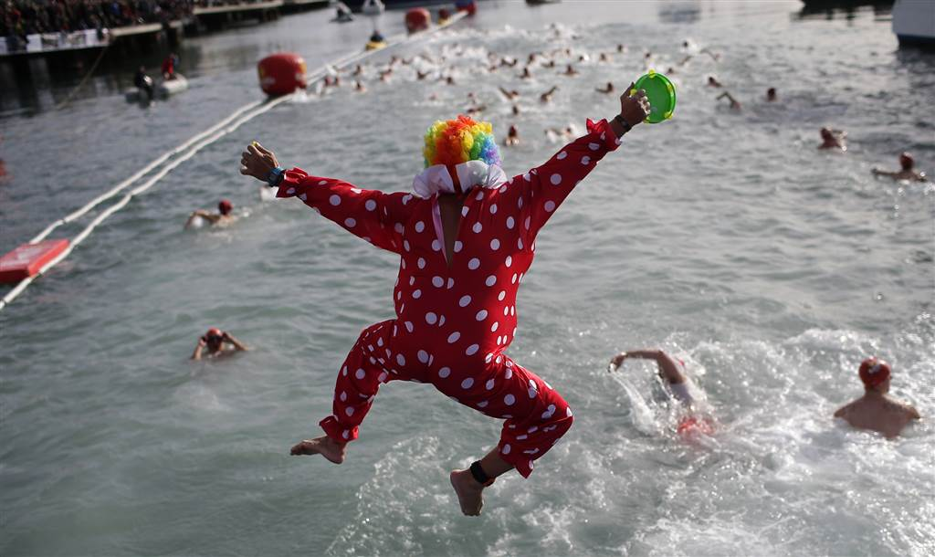 A look at Christmas festivities around the world via @NBCNewsPictures