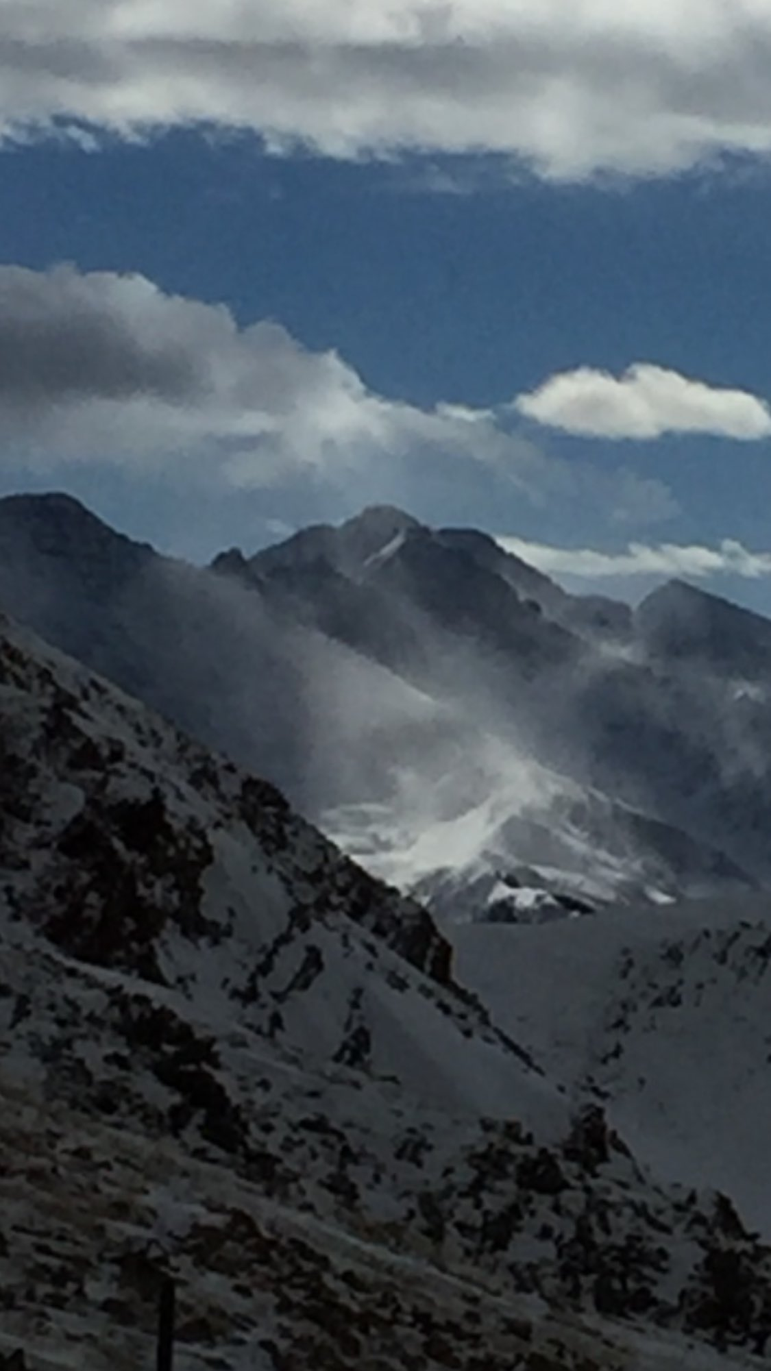 Yesterday's photo from the top of highlands Bowl:Wind whipping up snow with sunlight. https://t.co/Sy1C2MISTR