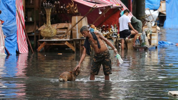 Typhoon kills 6 during Christmas in Philippines