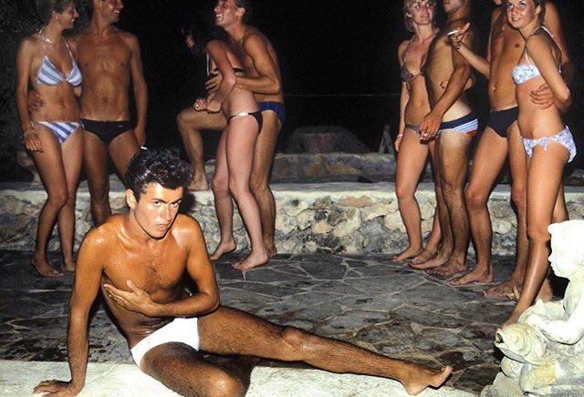 George Michael on the set of the Club Tropicana video at @PikesHotel. #ibiza #RIPGeorge https://t.co/LQnjWHZyZx