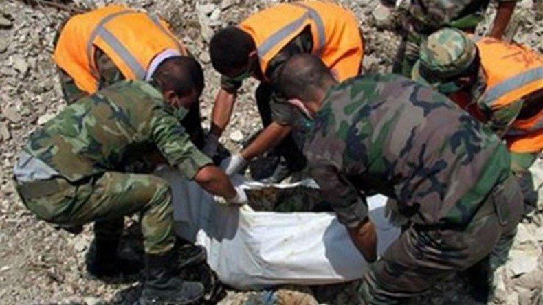 #Alep : découverte de fosses communes contenant les corps de civils torturés par les rebelles «modérés» https://t.co/I2dzYTl3GF