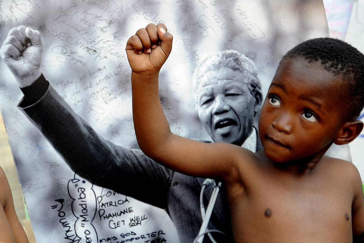 """""""As long as poverty, injustice & gross inequality persist in our world, none of us can truly rest"""". RT if you agree!  #bestof2016#Mandela"""