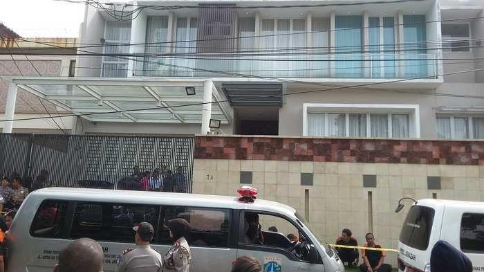Neighbour recalls 'horrible' crime scene of Jakarta toilet murder