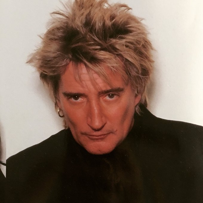 Happy birthday Sir Rod Stewart!! Handsome devil!