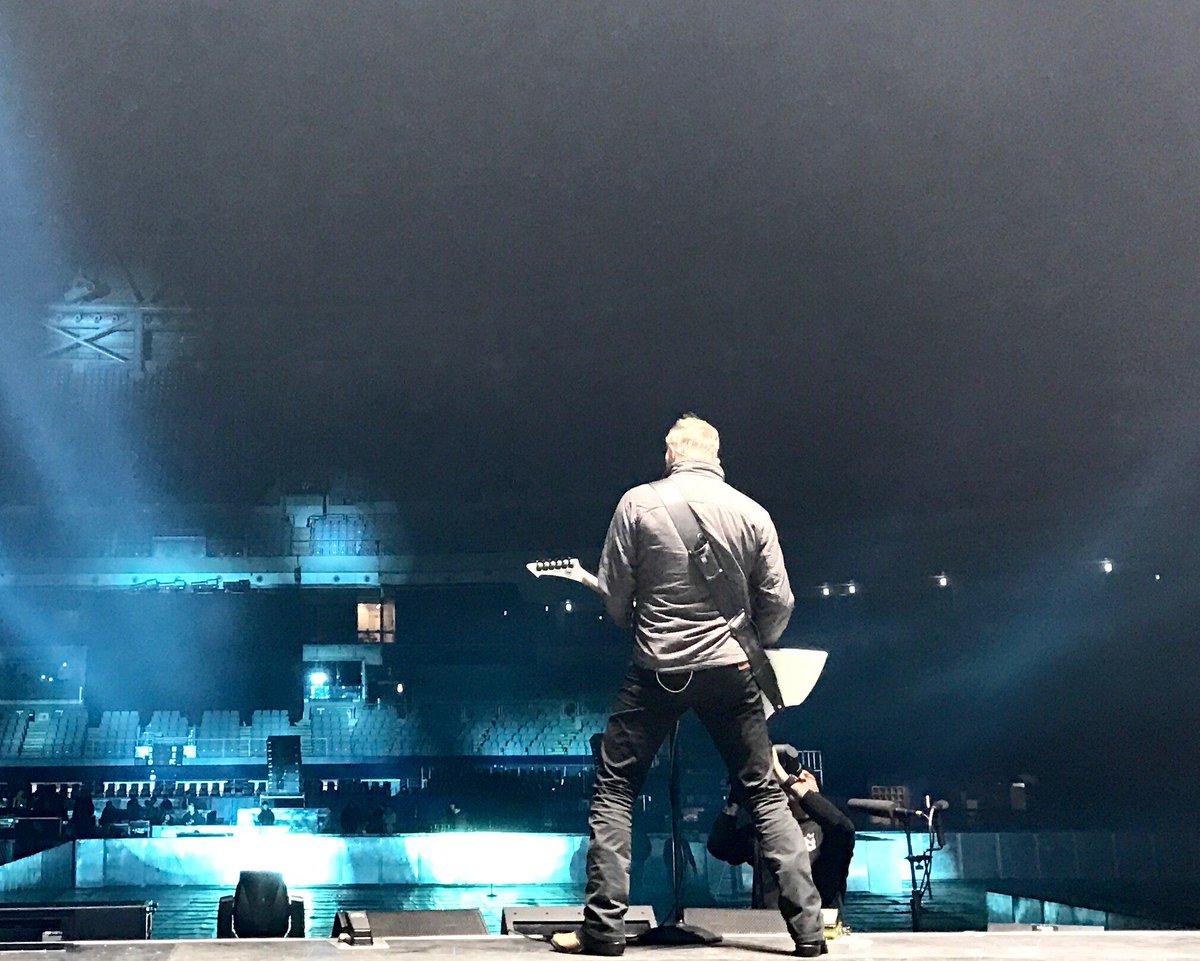 Soundcheck in Seoul, getting ready for #worldwired tour 2017! #metallica #metinseoul https;//t.co...