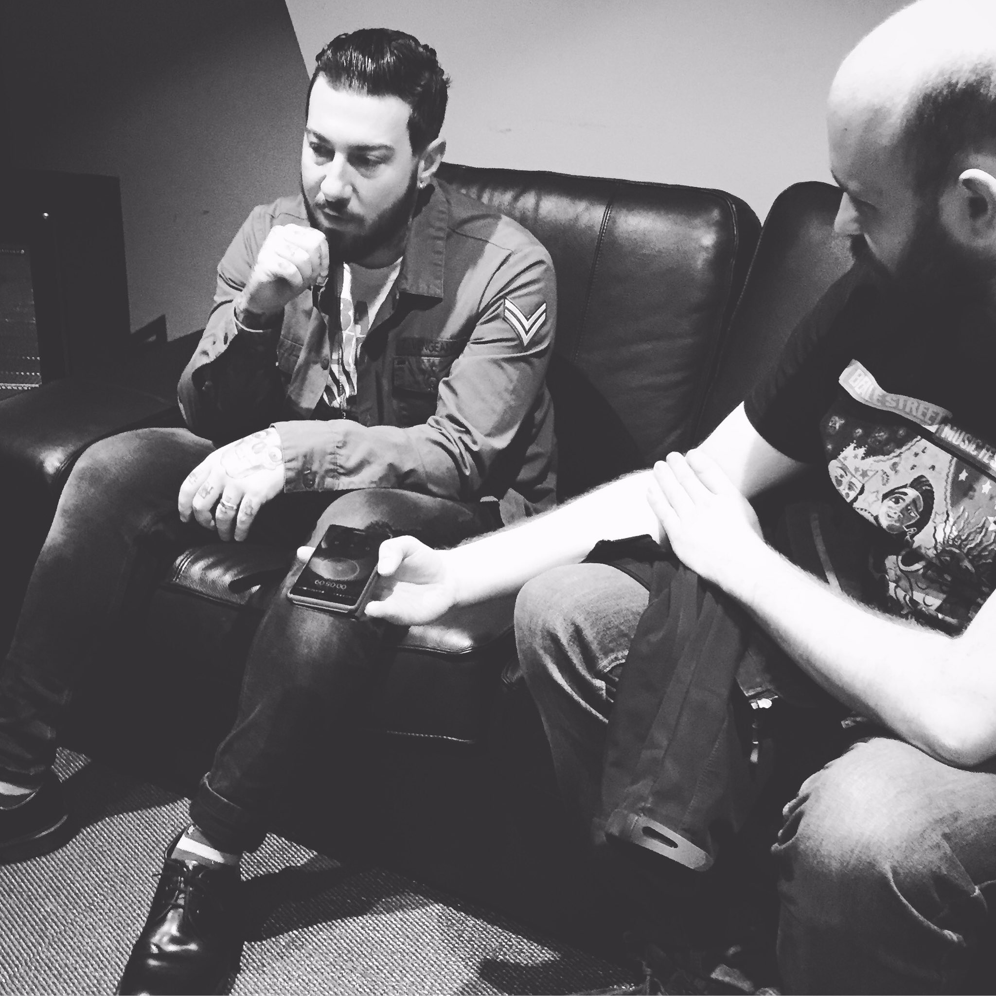 Pre-Show Interview with  Kerrang! #thestageworldtour https://t.co/lXLiTMV7uC
