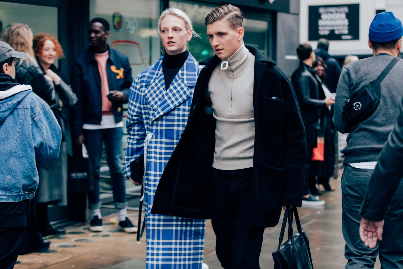 London's most stylish men show you how to dress for winter https://t.co/Uma582SFWI https://t.co/pEbj89Z09l