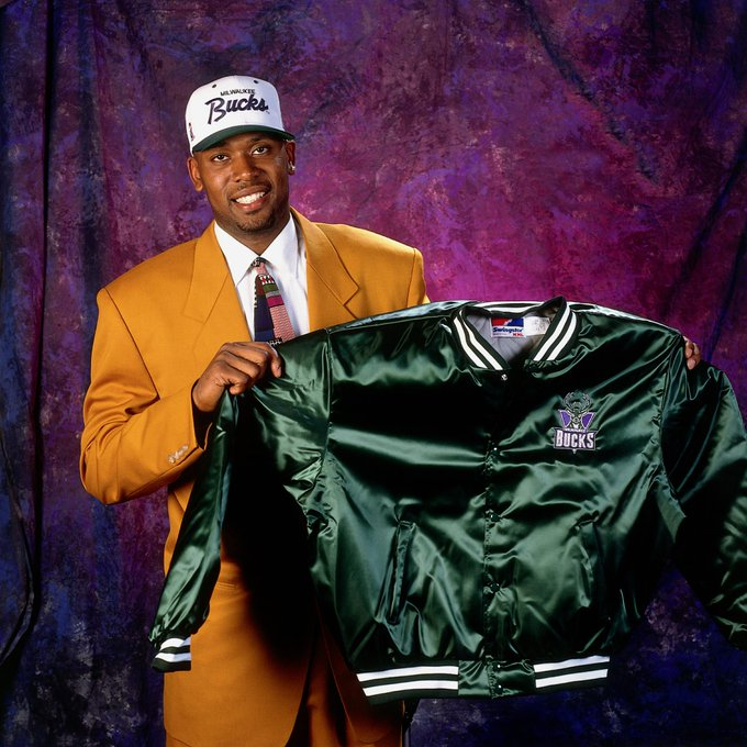 Happy 44th Birthday to former standout Glenn Robinson  WATCH: