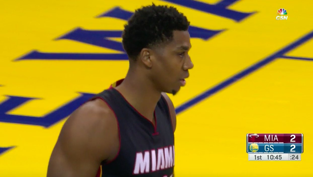 .@youngwhiteside putting work in early with a double-double (16 PTS, 10 REB) in the first half vs. Golden State! �� https://t.co/TCV6RPzCEb