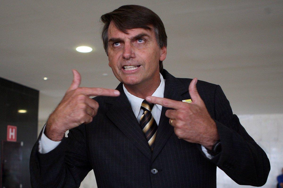 'Financial Times' faz matéria sobre neonazismo no Brasil e usa Bolsonaro como exemplo. https://t.co/CuiOmJunXG [@Ancelmocom]
